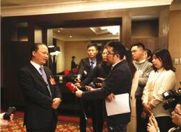"""新华社CNC电视台专访刘汉元主席: 光伏产业助""""一带一路""""战略深入推进"""