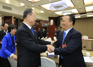刘汉元主席参加两会民建界别联组会并作主题发言