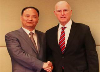 刘汉元主席对话美国加州州长:美国退出《巴黎协定》让全球失望!